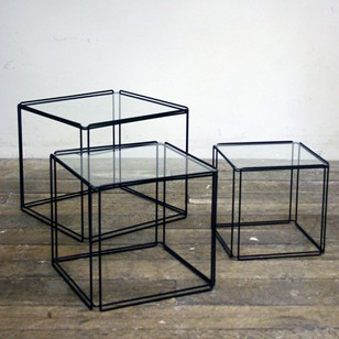 Minimalistic Nesting tables by Max Sauze