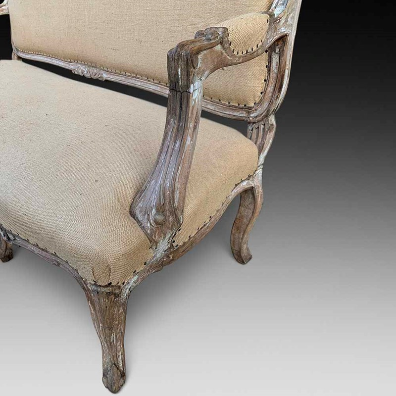 A Stylish Walnut Settee-d-j-hicks-antique-furniture-a-stylish-walnut-settee-c1840-60-2-main-637047717530553386.jpg