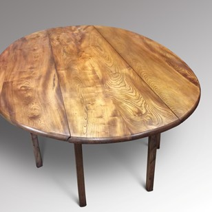 An Elm Wake Table