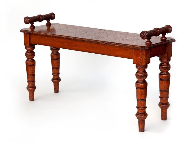 Gutsy Oak Country House Hall Bench -david-griffith-antiques-52653-main-636868839478182019.jpg