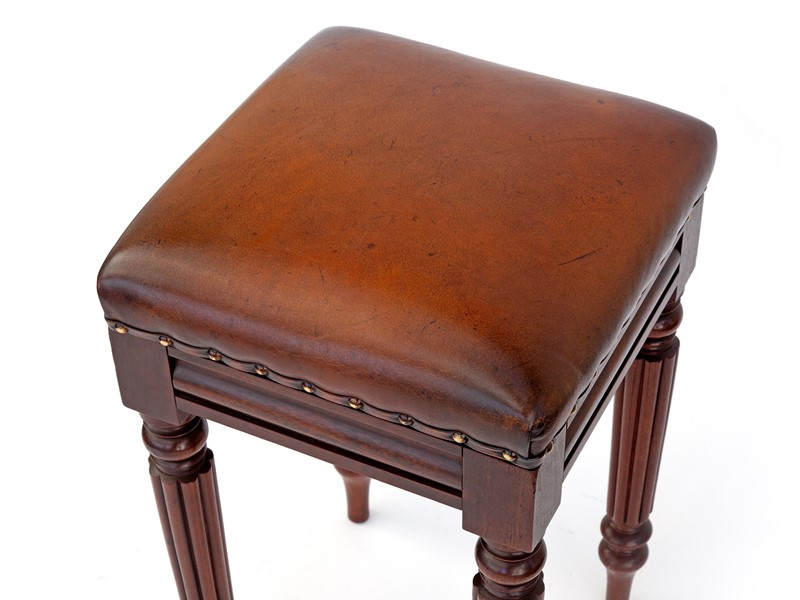 Antique William IV Mahogany High Stool-david-griffith-antiques-64038-main-637256644833101225.jpg