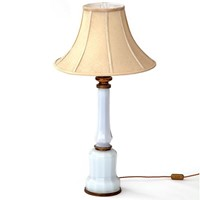 White Mallet Form Faceted Table Lamp