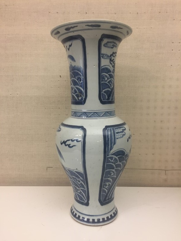 Chinese Blue and White Vase-david-robinson-antiques-bw-vase3-main-636899672872250597.JPG