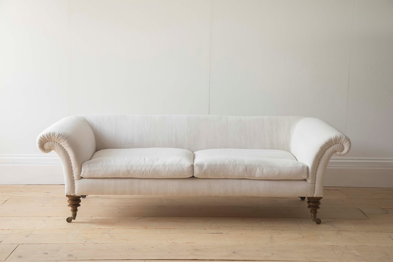 Bespoke Country House Sofa-dean-antiques-0w0a0029-main-637091535132001440.JPG