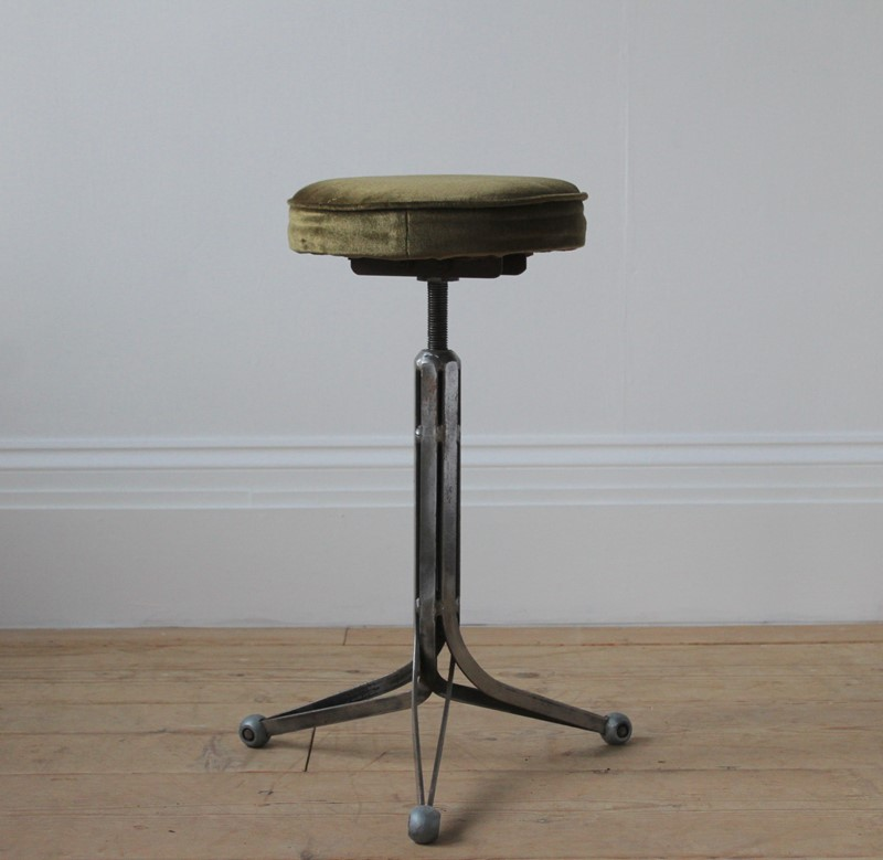 20th Century Industrial Stool-dean-antiques-img-7271-main-637171918788304250.JPG