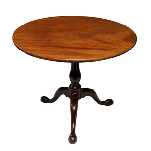 Good Irish George II Mahogany Tilt Top Table