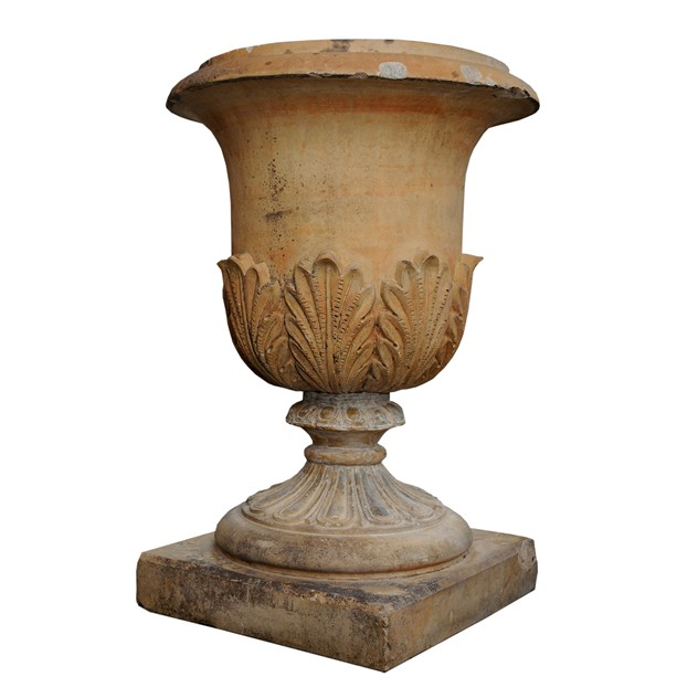 Large English Faux Terracotta Stoneware Urn -decorator-source-60_main_636477237396342791.jpg