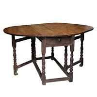 English George I Painted Gateleg Table