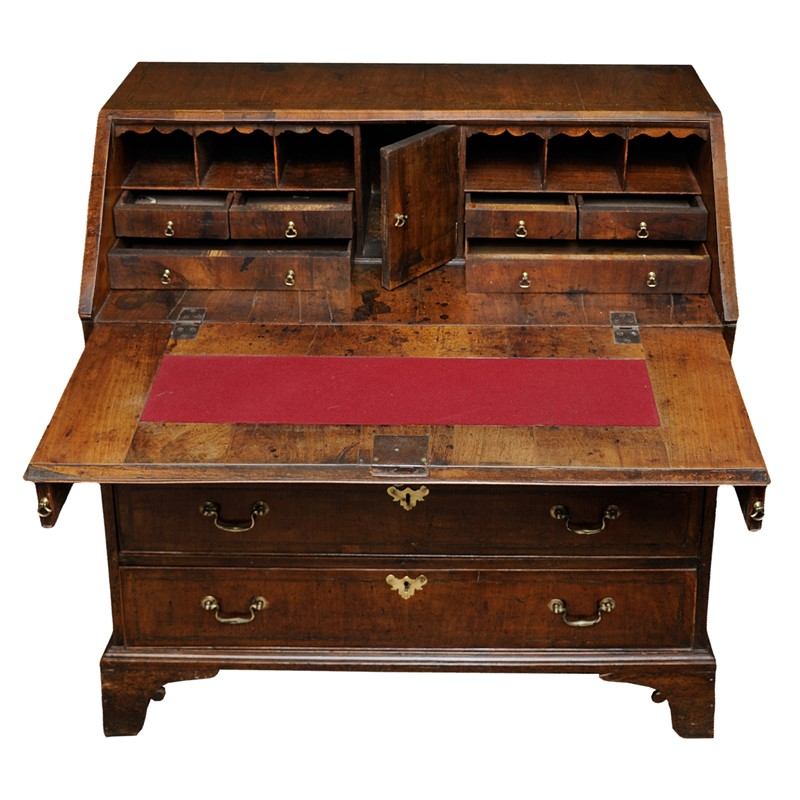 English George II Walnut Bureau-decorator-source-yrturturturtur-main-637354236788572064.jpg