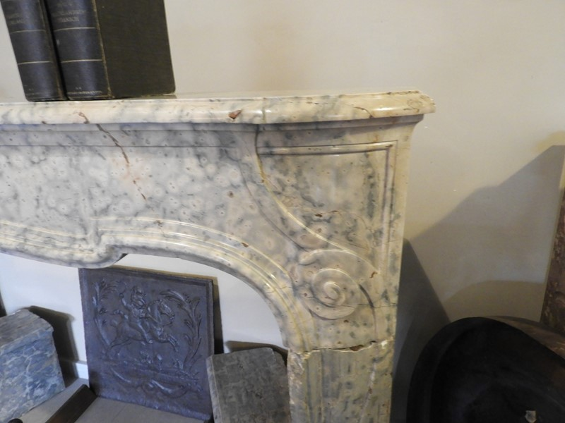 19th century fireplace in Jura marble -deknock-dscn5206-main-636907641675903296.JPG