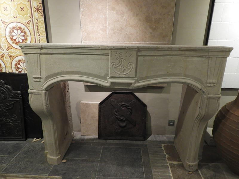 18th century sandstone fireplace-deknock-dscn5239-main-636916125332916109.JPG