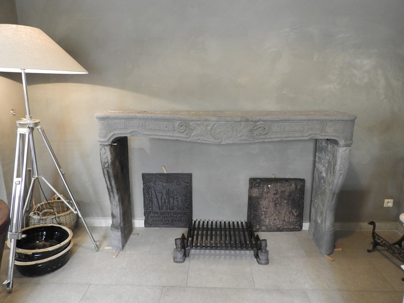 "18th century fireplace in ""Pierre de volvic"" -deknock-dscn5470-main-636923999221563303.JPG"