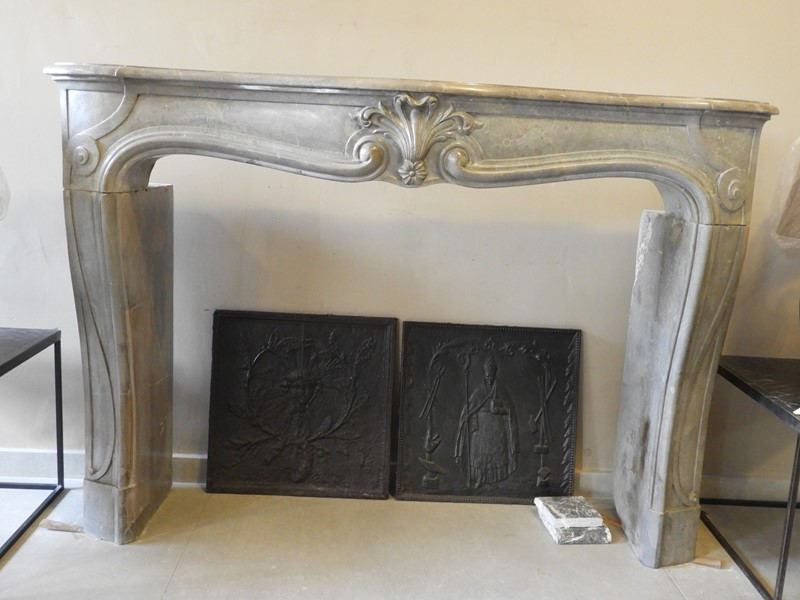 19th Century Louis 15 Fireplace Mantle -deknock-dscn6936-main-637203800374287769.JPG