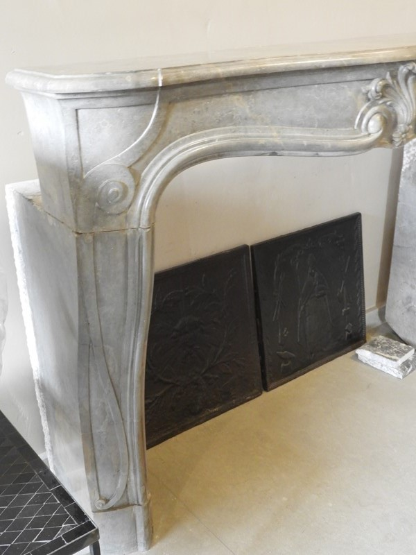 19th Century Louis 15 Fireplace Mantle -deknock-dscn6942-main-637203801102108899.JPG