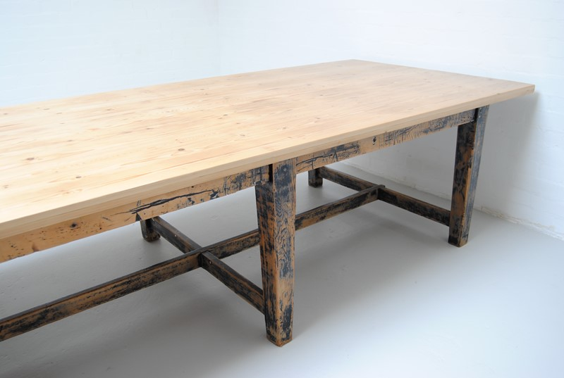 Large pine dining table-dj-green-antiques-26e295d5-4ed1-4258-9477-b1eafd123da1-main-636796400374175994.jpeg