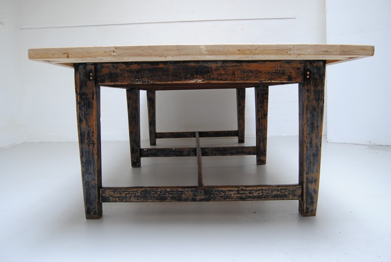 Large pine dining table-dj-green-antiques-524d4b35-b489-4f50-804d-7650d98b9104-main-636796400426990564.jpeg