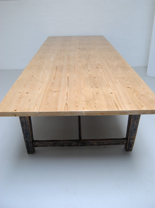 Large pine dining table-dj-green-antiques-8e71124d-2a24-4da1-95df-bdd440d57a34-main-636796400505737843.jpeg
