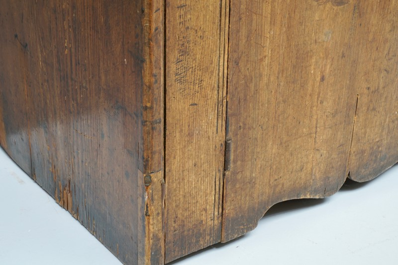2 Door Cupboard-dj-green-antiques-dsc01002-main-637267813229506284.jpg