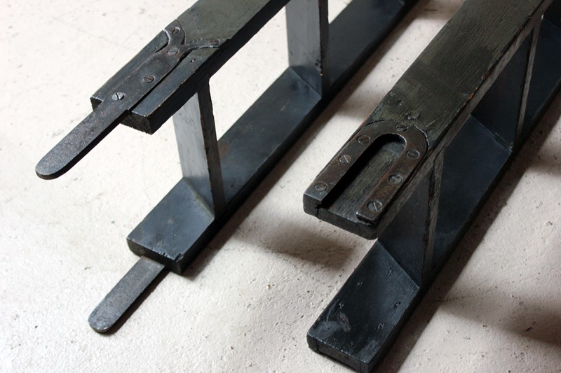 Victorian Painted Six-Tread Coaching Ladder c.1870-doe-and-hope-paintedcoachingladder3-main-636846253155207360.jpg