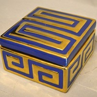 Single Vintage ceramic GREEK KEY box.
