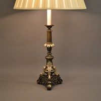 Single antique bronze tripod lamp silvered details