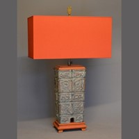 Single vintage cast bronze Chinoiserie table lamp