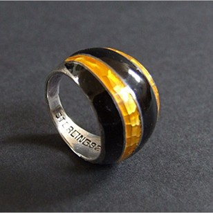 1960s Enamelled Silver Humle ring