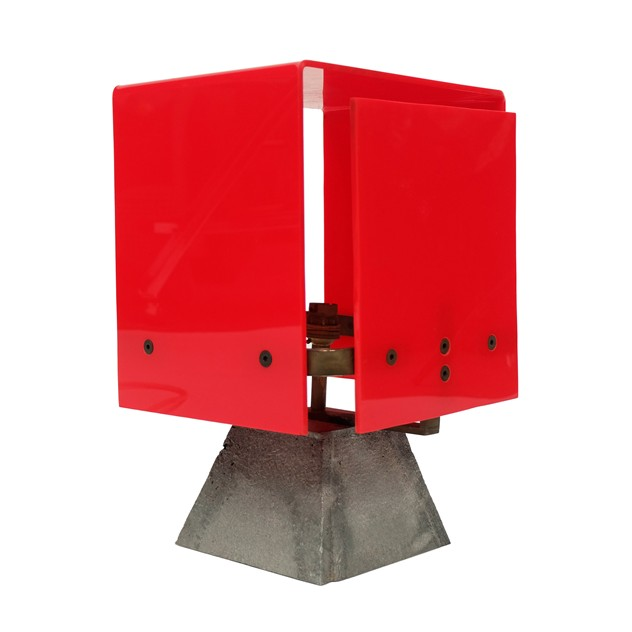 1960s Modernist Red Acrylic Brass Table Lamp -fears-and-kahn-redlamp1_main_636044469624287740.jpg