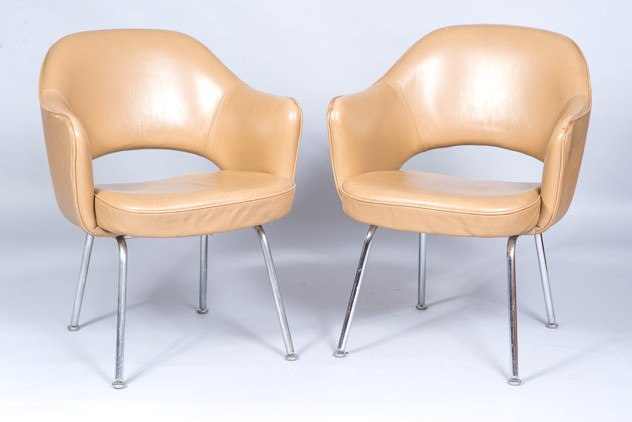 A Pair of Saarinen Leather Armchairs-fleet-gallery-DSC_4250_main_636488897689988515.jpg