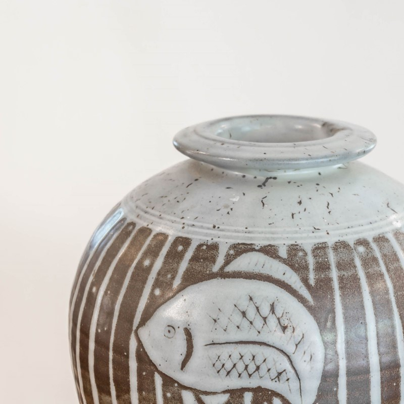 A large studio pottery vase by Tony Dasent-foster-and-gane-dasent3-main-636940532625957954.jpg
