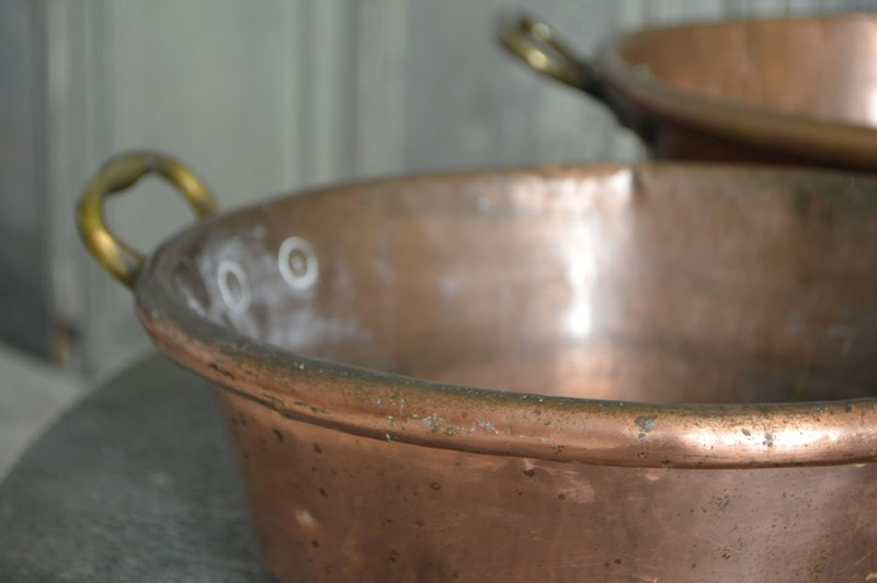 A collection of large 18th century copper pans-french-loft-D1854.F-main-636605485144356587.jpg