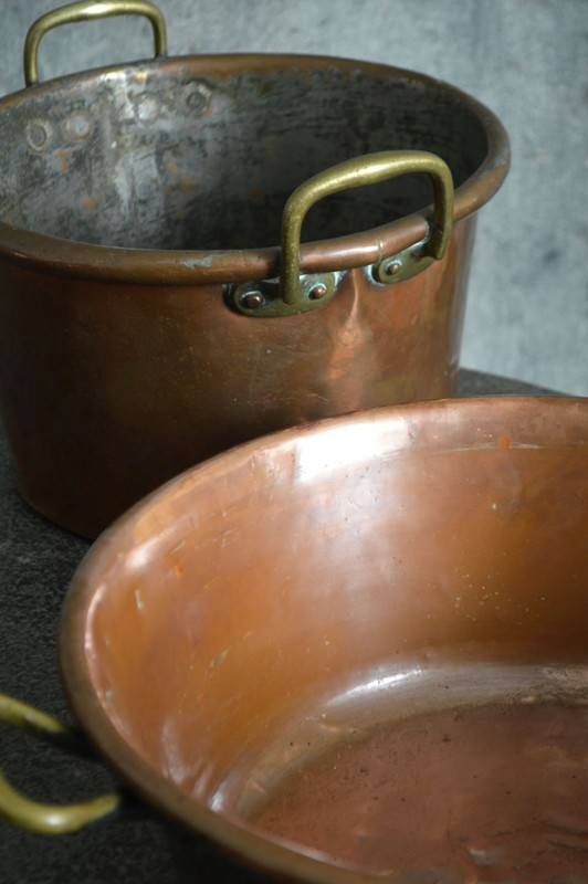 A collection of large 18th century copper pans-french-loft-D1854.G-main-636605484865414283.jpg
