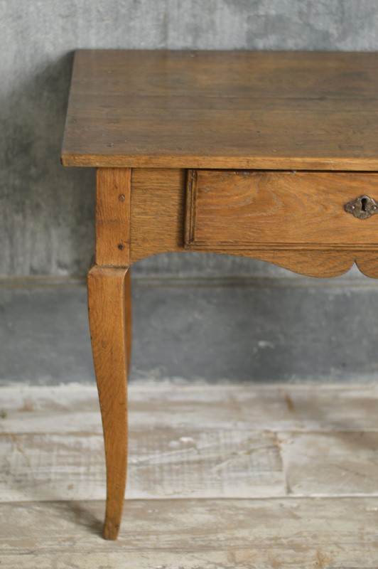 18th Century French oak side table-french-loft-t2053b-main-636866221098434651.jpg