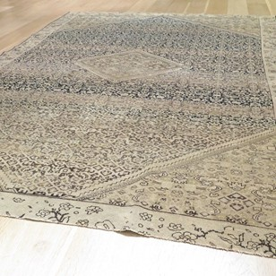 Stylish 19th century fine Malayer rug