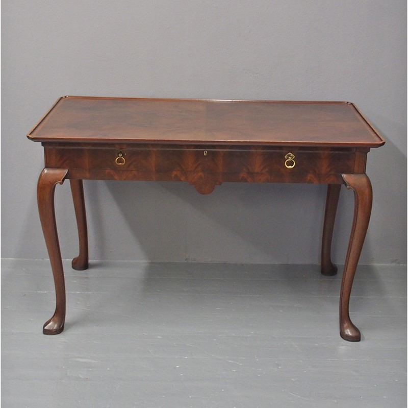 Mahogany Side Table by Whytock and Reid-georgian-antiques-1-silver-table-main-637085464090187626.jpg