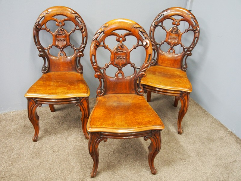 Set of 3 Victorian Mahogany Heraldic Hall Chairs-georgian-antiques-18796 chairs-main-636655995901340062.JPG