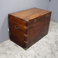 Large Camphorwood Campaign Trunk