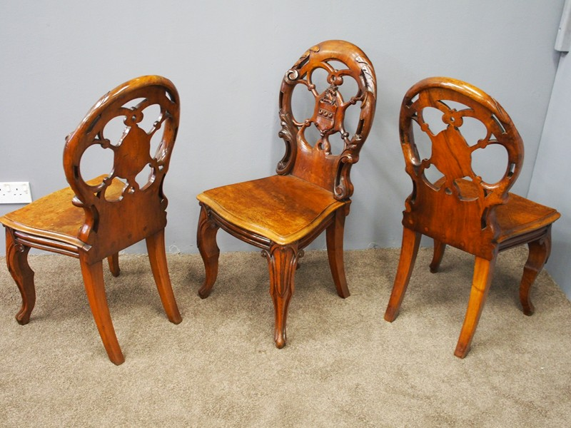 Set of 3 Victorian Mahogany Heraldic Hall Chairs-georgian-antiques-P6191988-main-636655996001029174.JPG