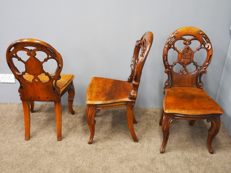 Set of 3 Victorian Mahogany Heraldic Hall Chairs-georgian-antiques-P6191996-main-636655996092449862.JPG