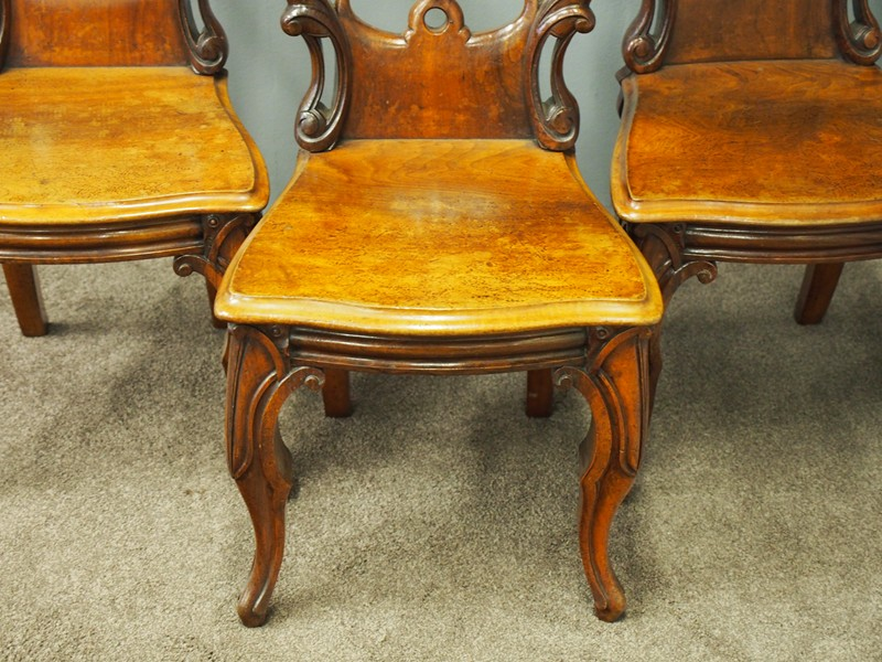 Set of 3 Victorian Mahogany Heraldic Hall Chairs-georgian-antiques-P6192008-main-636655996259534430.JPG