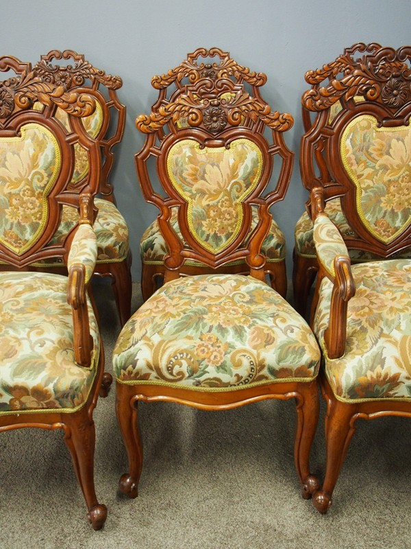 Set of 8 Carved Walnut Dining Chairs-georgian-antiques-P6250321-main-636661354857669063.JPG