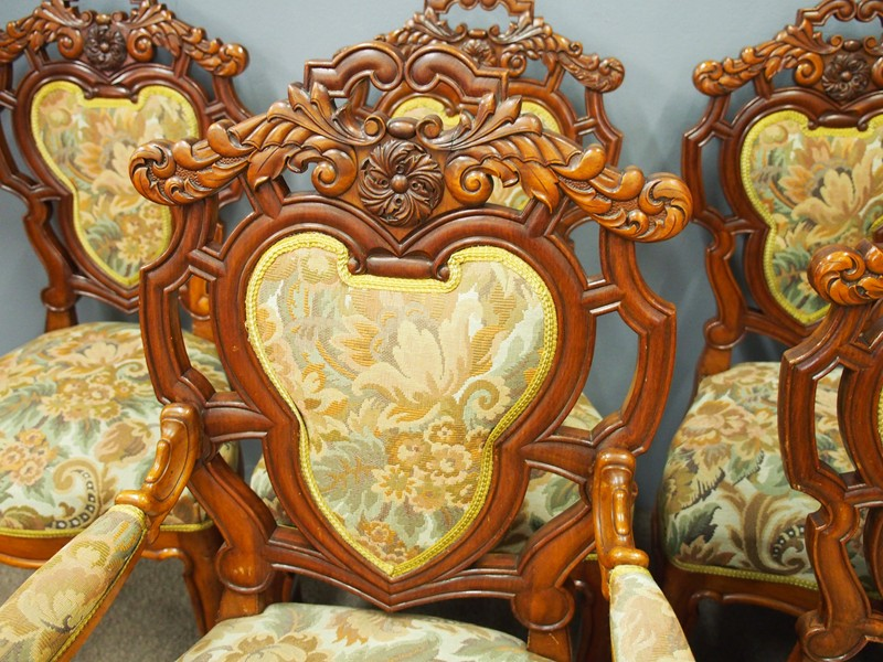 Set of 8 Carved Walnut Dining Chairs-georgian-antiques-P6250324-main-636661354924752503.JPG