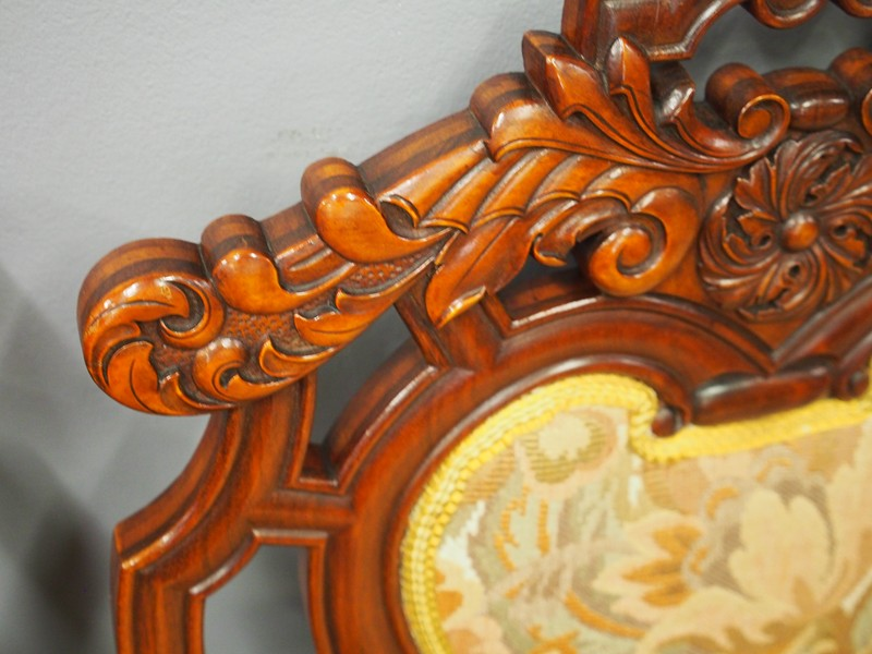 Set of 8 Carved Walnut Dining Chairs-georgian-antiques-P6250347-main-636661355681859327.JPG