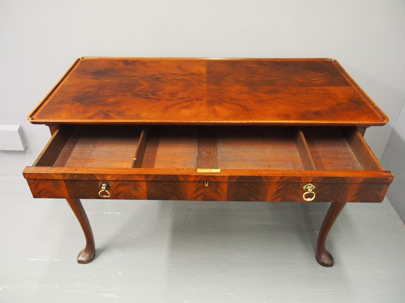 Mahogany Side Table by Whytock and Reid-georgian-antiques-p1013210-main-637085465048958135.JPG