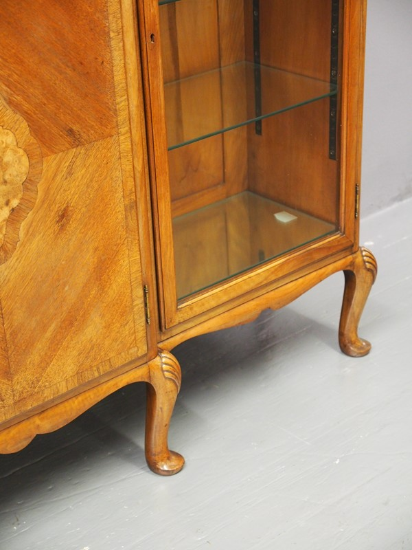 Walnut Display Cabinet by Whytock and Reid-georgian-antiques-p1017061-main-637085472986323574.JPG