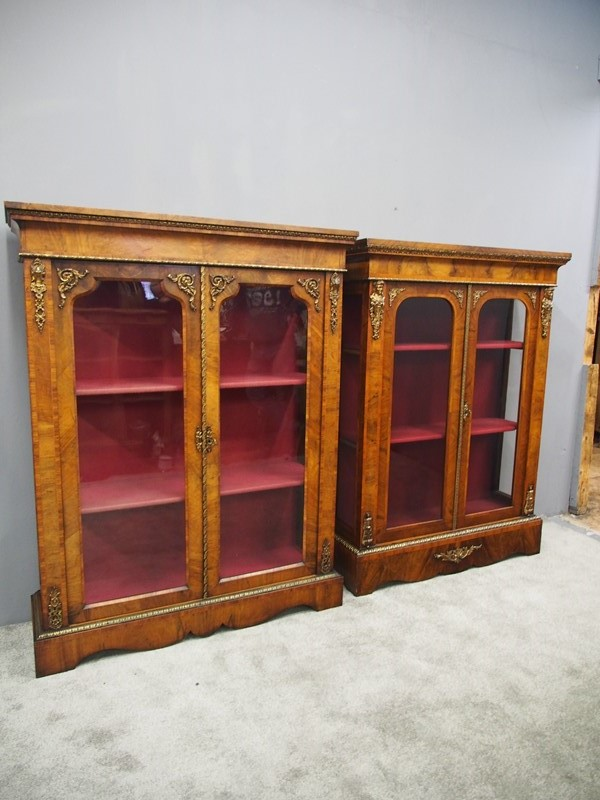 Matched Pair of Victorian Display Cabinets-georgian-antiques-p9152861-main-637412405405002595.JPG