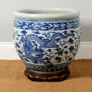 A large 19th century Chinese export jardiniere