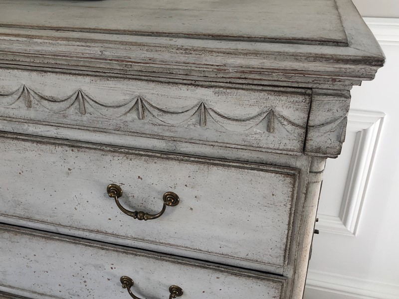 Large Painted Chest-hugos-antiques-img-5491-main-637036585160684515.jpg