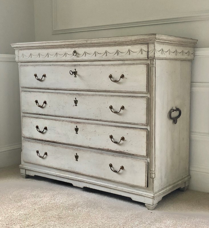 Large Painted Chest-hugos-antiques-img-5504-main-637036584641931756.jpg