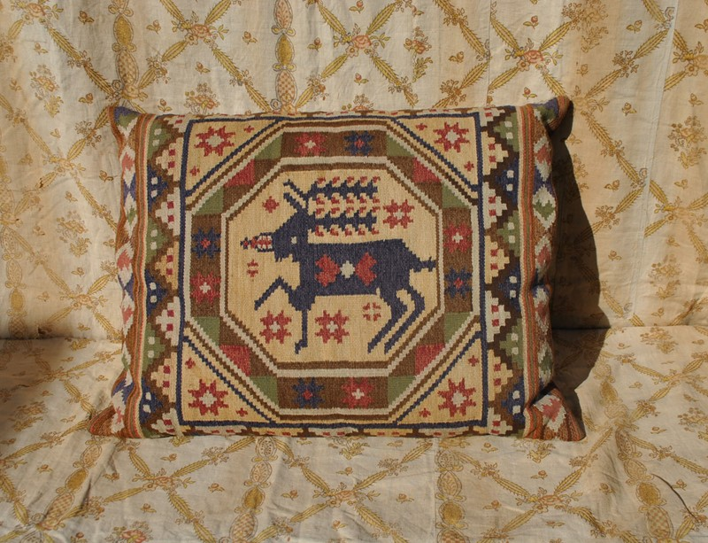 Large hand woven Swedish tapestry cushion-inglis-hall-antiques-dsc-0165-main-637065918347914329.JPG